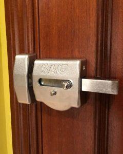 cerrojos de seguridad para puertas blindadas